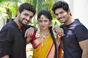 kundanapu bomma star cast photos-thumbnail-17