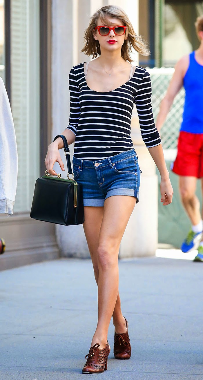 Taylor Swift Street Style - Good Way to Look Sexy Without Going Overboard