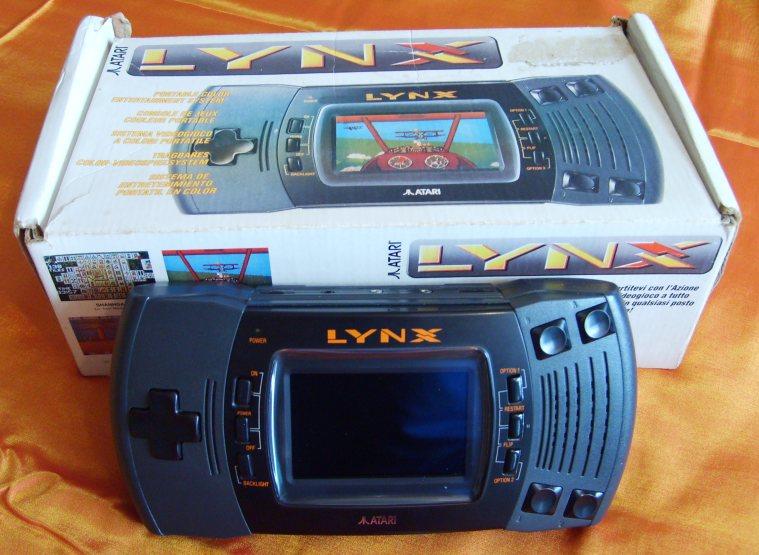"""Les consoles inconnues ou """"un peu"""" oubliées? :-( Atari+Lynx+II+Boxed"""