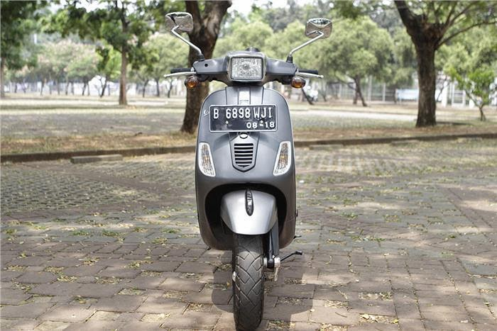 ... see the vespa s150 vespa s150ie now presented with new colors and