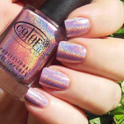 Color Club Halo-graphic swatch