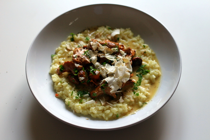 Risotto mit Pifferlingen in Kerbel-Estragon-Rahm und Belper Knolle | Arthurs Tochter Kocht by Astrid Paul