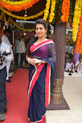 Archana Launches Srinivasa Textiles Photos-thumbnail-18