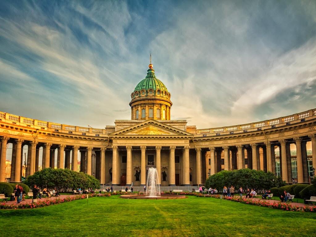 """<img src=""""http://4.bp.blogspot.com/-GaJLjDhob-4/UtFrEfB9TQI/AAAAAAAAHls/imaVXKj9vyE/s1600/kazan-cathedral.jpeg"""" alt=""""ancient wallpapers"""" />"""