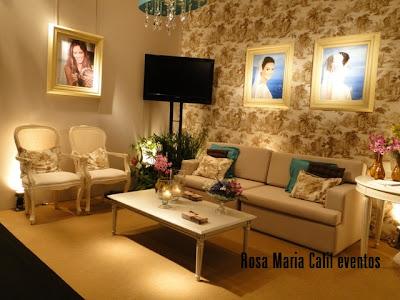mobiliário provençal, parede funfo toile de juy, arranjos florais