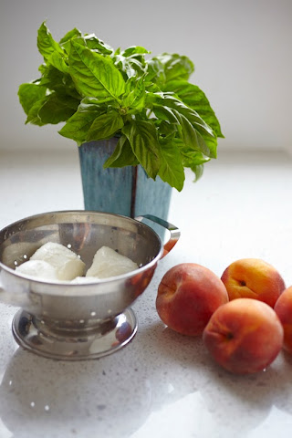 Ingredients for Insalata Caprese with Peaches