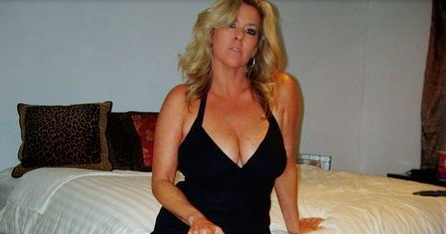 Older woman wanting sex