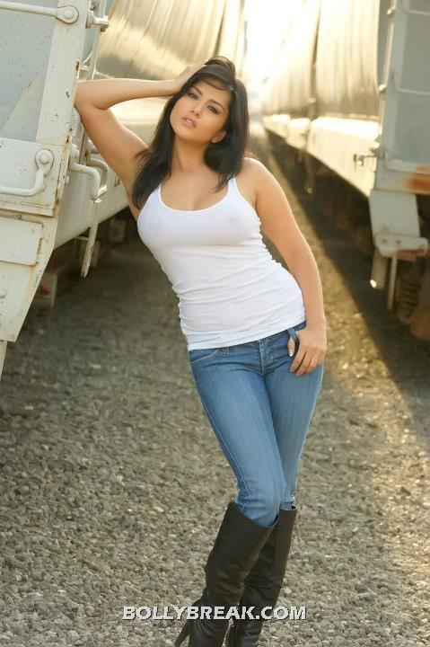 Sunny Leone In Jeans ~ celebs talkies