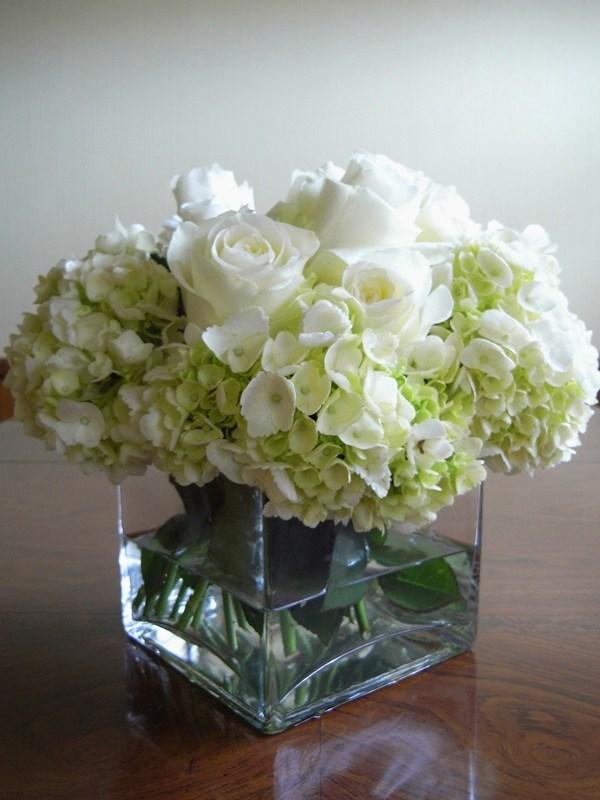 Savvy mode elegant cream roses arrangement ideas