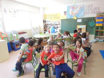 Aprender en mi aula es divertido juego de las sillas for Sillas para jugar xbox