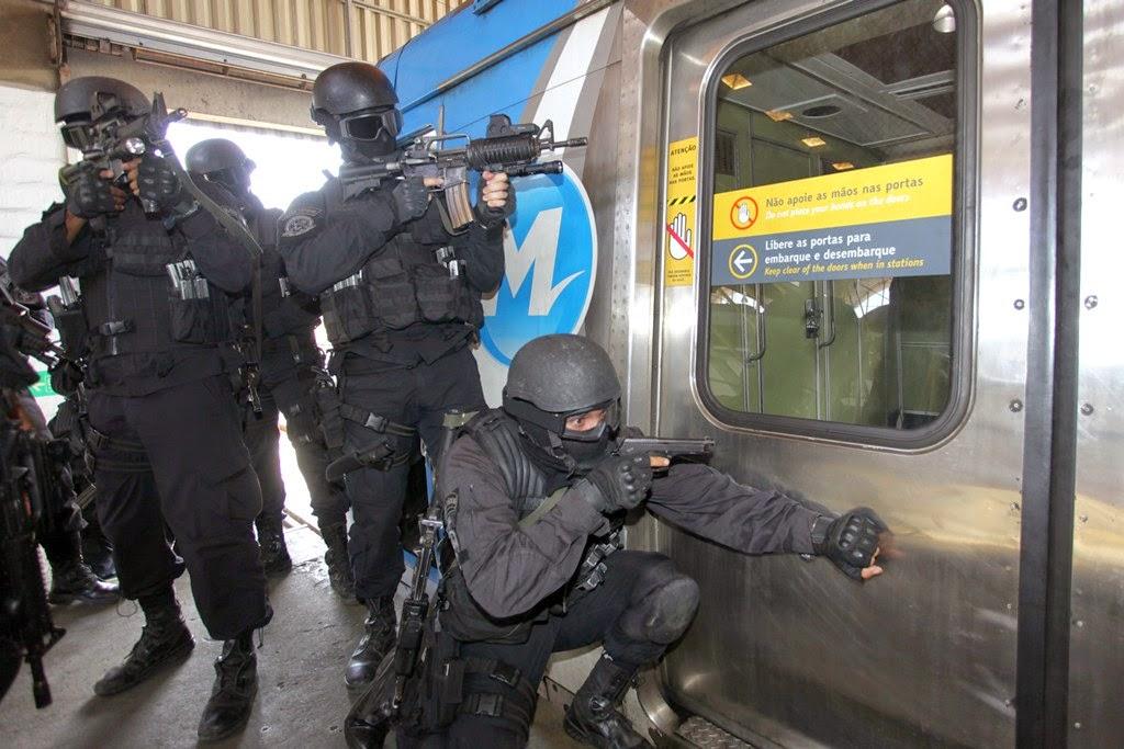 Bope simula resgate no metrô para as Olimpíadas no Rio de Janeiro