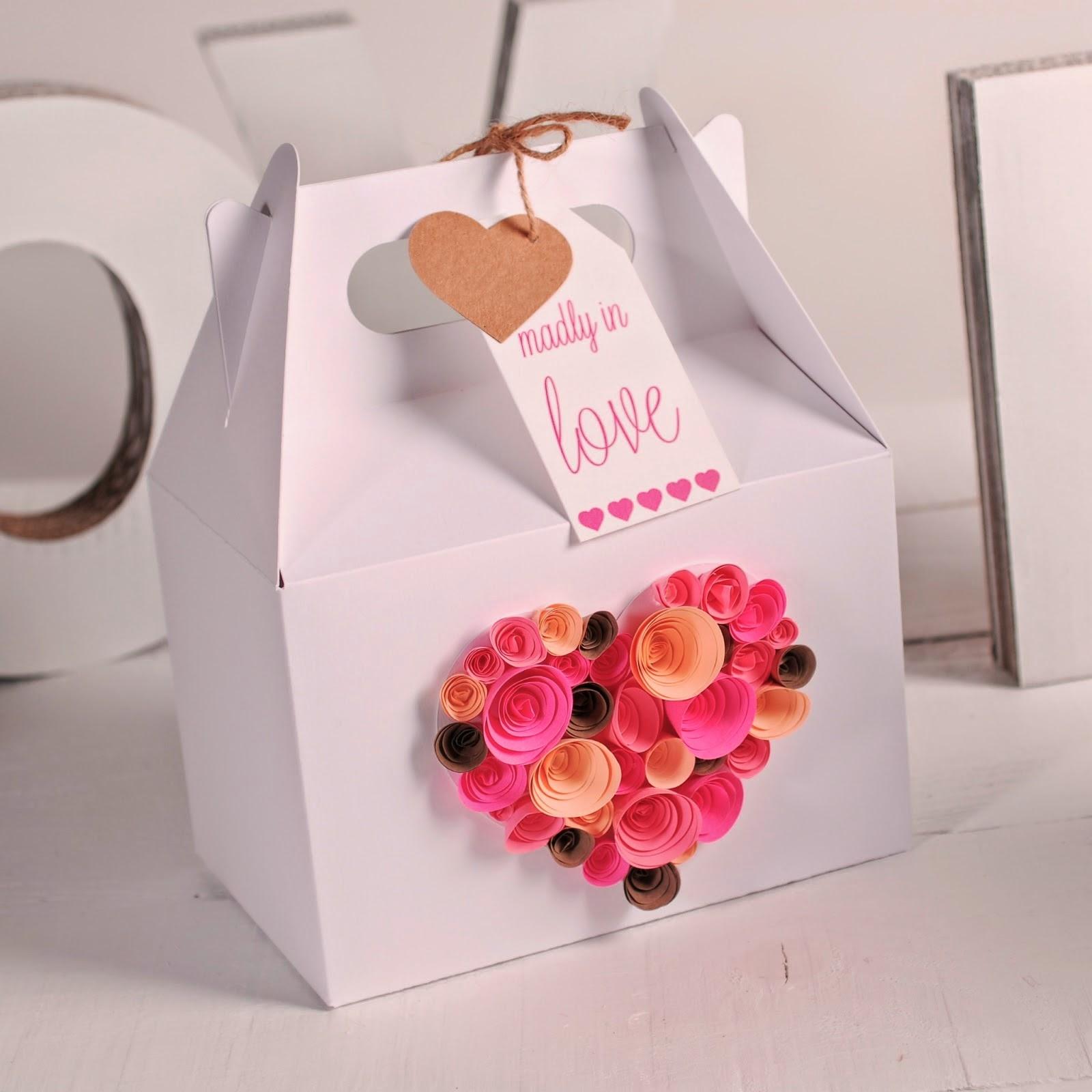 Como Decorar Caixa De Presente Com Rosas De Papel Para Dia Dos All  #BA113E 1600x1600