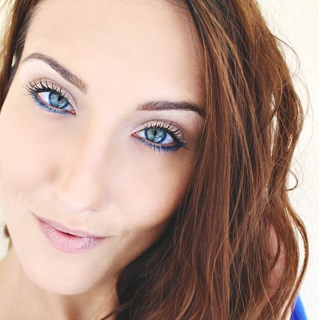 Jelena Zivanovic Instagram @lelazivanovic.Glam fab week.Cobalt blue eyeliner, eye makeup.Kobaltno plavi ajlajner,sminkanje ociju.