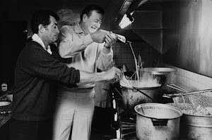DEAN MARTIN COOKS SPAGHETTI With JOHN WAYNE