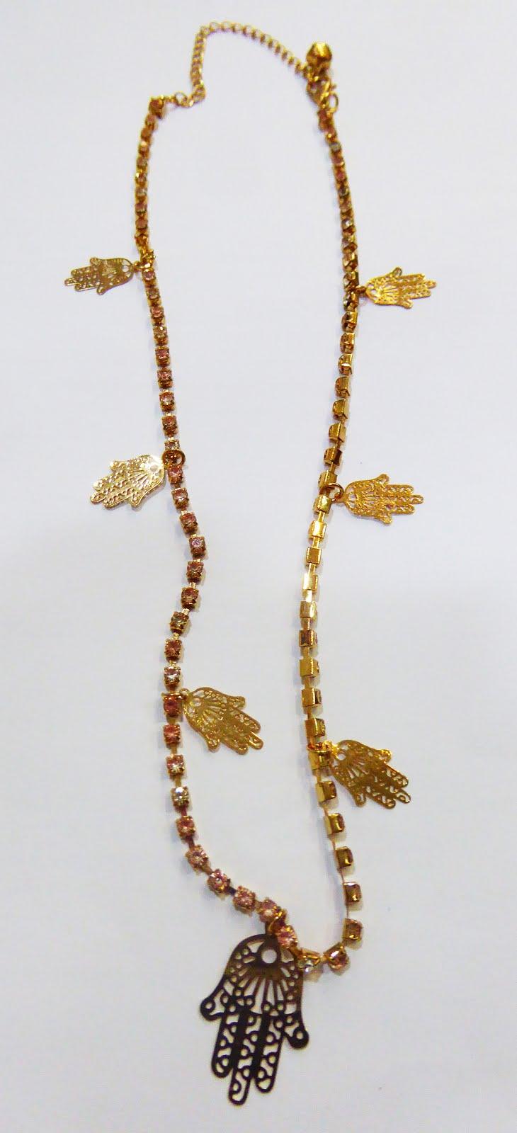 Gargantilla de acero dorado con manos de Fátima