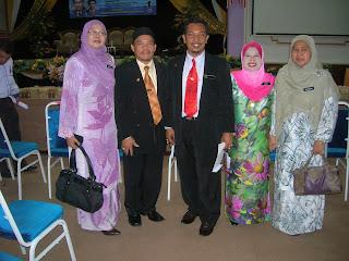 Rakan-rakan sepejuangan dalam Kelompok Guru Cemerlang Kelantan