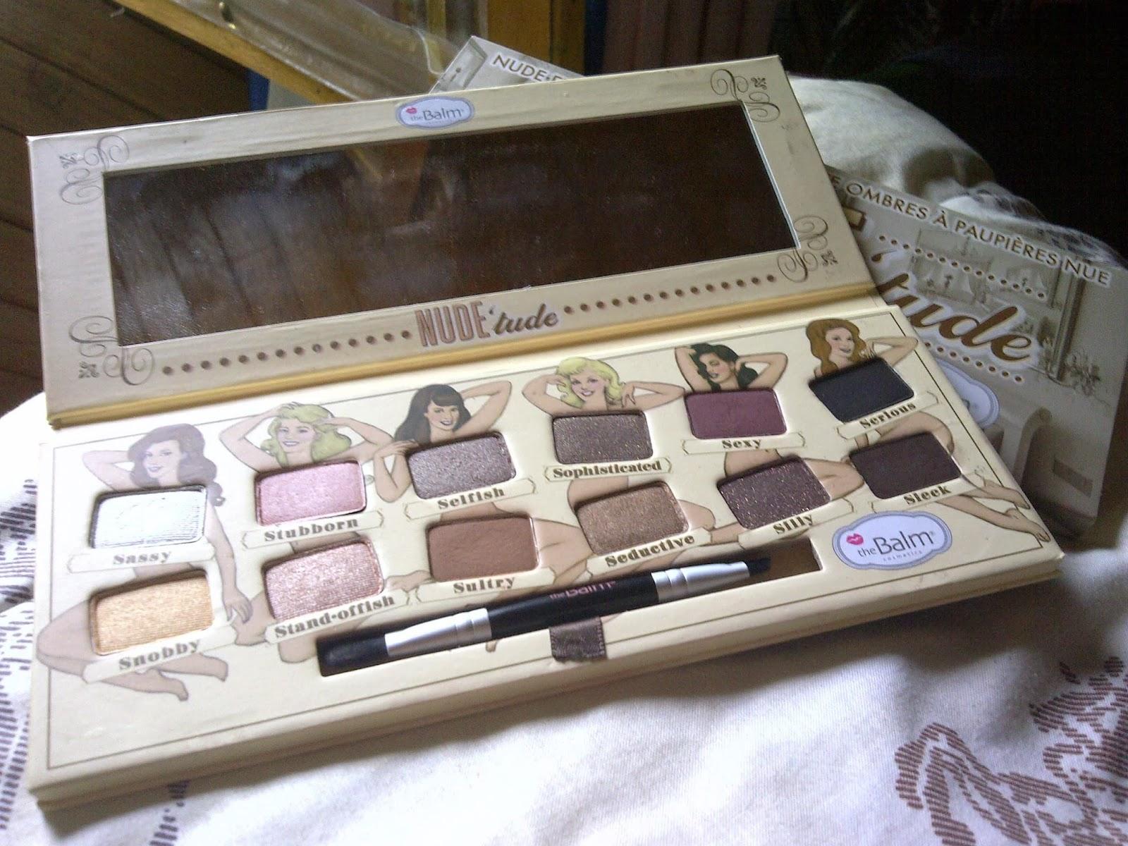 N O B L E S T A R D Y November 2013 Wardah Double Function Kit 45 G Palettes