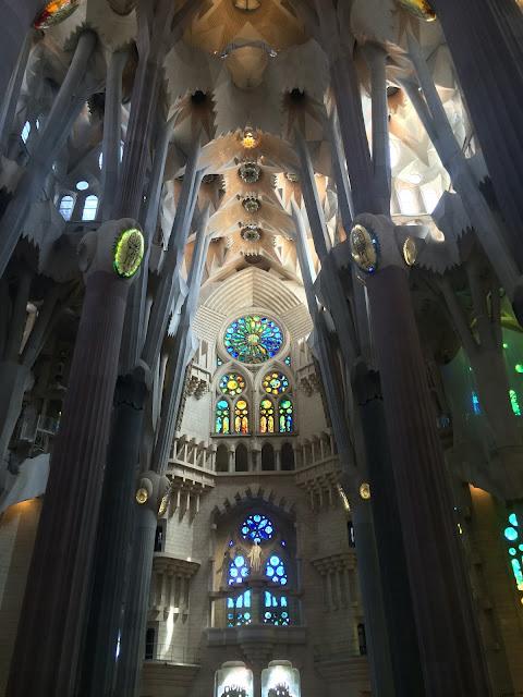 wisata, travelling, gereja, Basilica De La Sagrada Familia, Barcelona, Spanyol, Antoni Gaudi