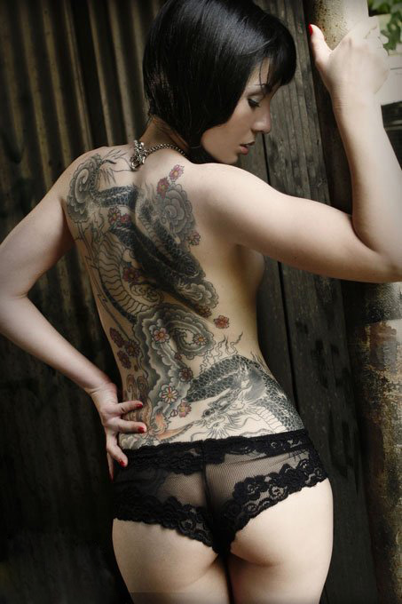 Amazing sexy dragon tattoo designs 2012 gifts toy for Hot female back tattoos