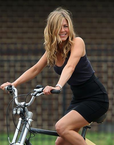 Wow Jennifer Aniston Nyaris Bugil dalam Horrible Bosses