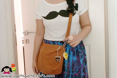 Cropped T-shirt with Moustache Print