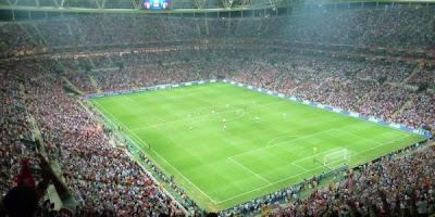 "<a href="" http://4.bp.blogspot.com/-GdLL1UfuMNo/UOQwcQVGisI/AAAAAAAAA5A/kfNzVJxSV0E/s400/Turk+Telekom+Arena.Galatasaray.jpg""><img alt=""sepakbola,stadion, The Best Football Stadiums"" src=""http://4.bp.blogspot.com/-GdLL1UfuMNo/UOQwcQVGisI/AAAAAAAAA5A/kfNzVJxSV0E/s400/Turk+Telekom+Arena.Galatasaray.jpg""/></a>"