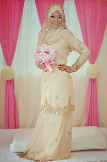 Fesyen Baju Kurung Moden Lace