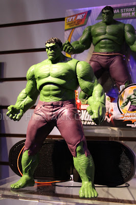 "Hasbro 2013 Toy Fair Display Pictures - Avengers Assemble - 10"" Hulk figure"