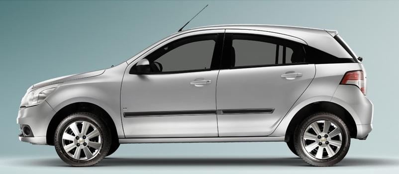 a car Chevrolet Agile LT 2013