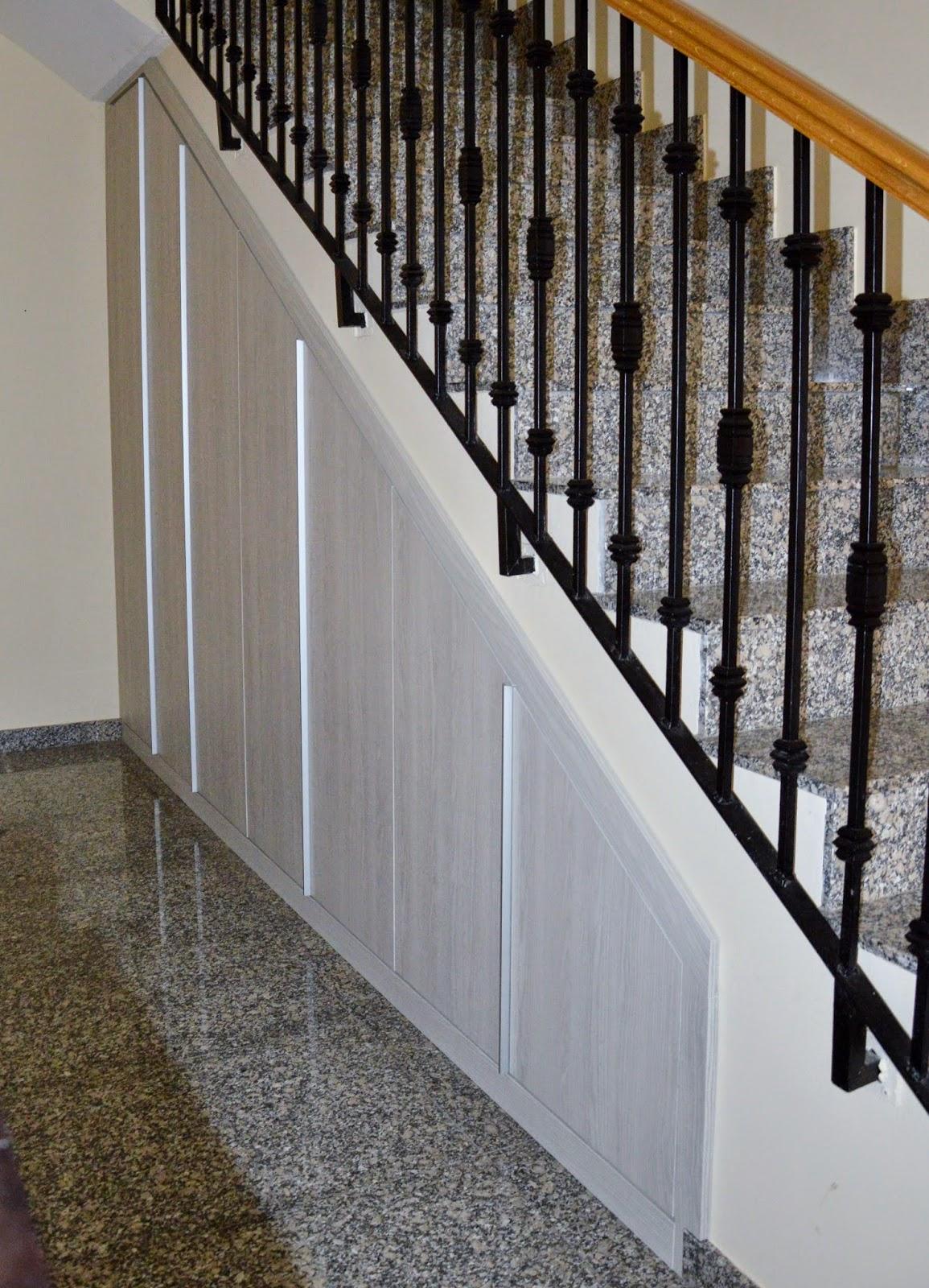I d e a nuestro armario en el hueco bajo la escalera for Armarios para escaleras