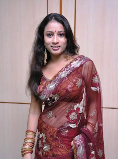 KAVUSIKA-hot-in-Saree-South Actress-7