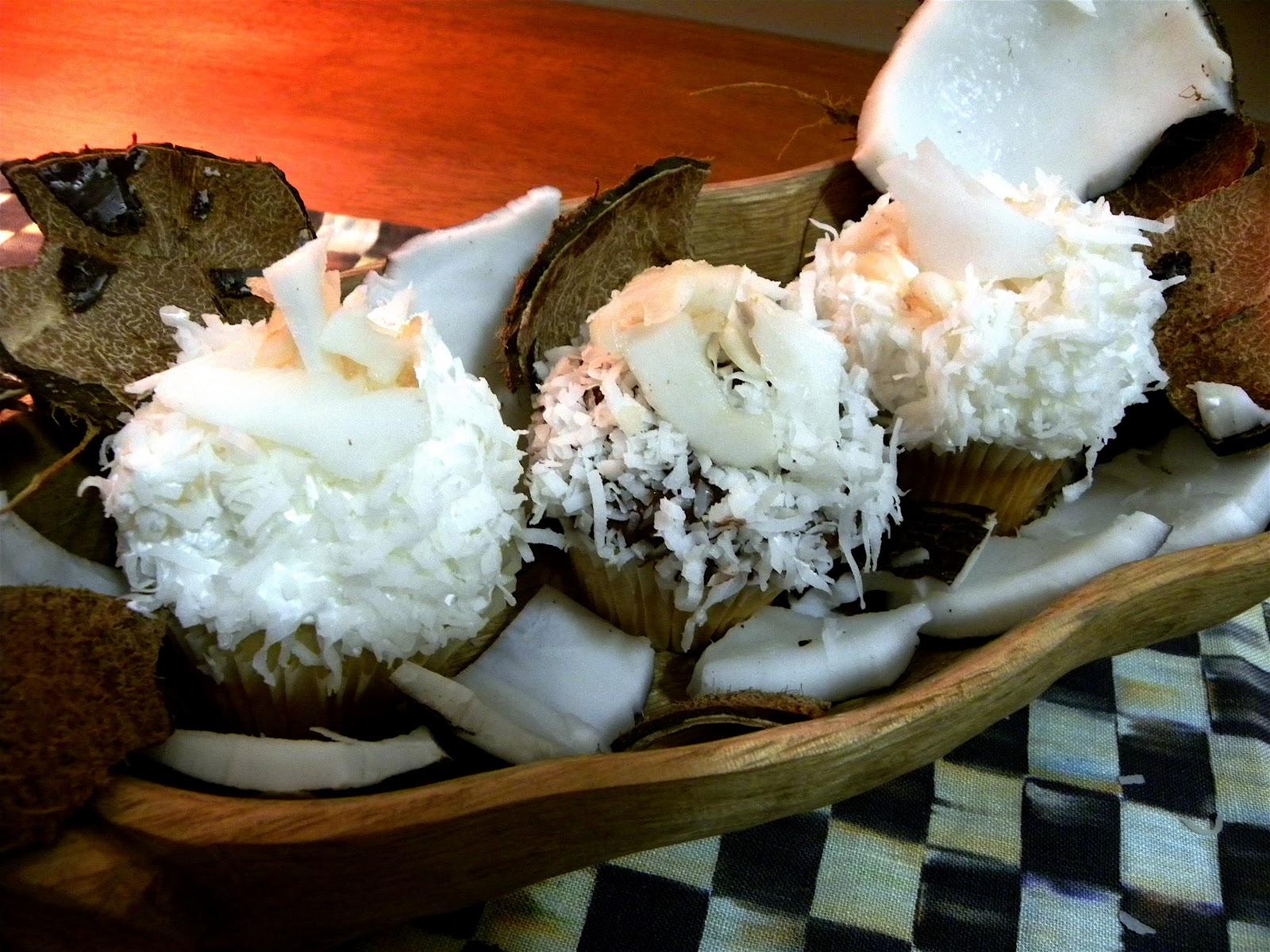 Coconut Cream Pie Cupcake | BlakeyCakes Cakes & Cupcakes