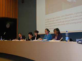 CrowdOutAIDS.org team presenting at UNAIDS Board meeting (December 2011)
