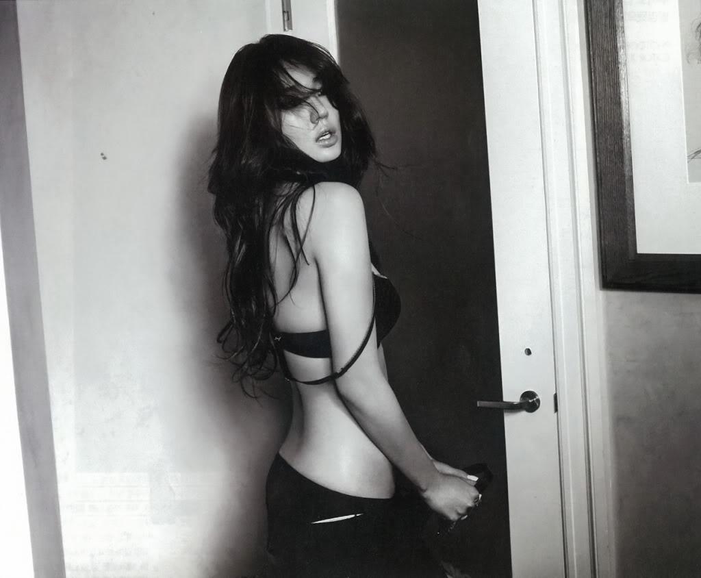 http://4.bp.blogspot.com/-Gdmx3DYk1Ko/T418vgiU5SI/AAAAAAAAsUo/p947Hyuq7Rc/s1600/Yoon+Eun+Hye+-+Calvin+Klein+Underwear+Photo+Shoot+(1).jpg