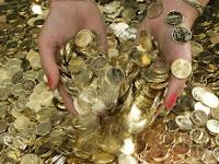 Pria Bayar DP Apartemen Rp105 Juta dengan Uang Koin