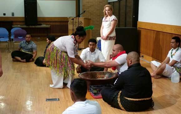 estudiante-venezolano-recibe-mencion-honorifica-comunidad-polinesia-utah