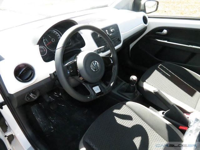 Volkswagen Up! 2016 TSI (Turbo) - interior