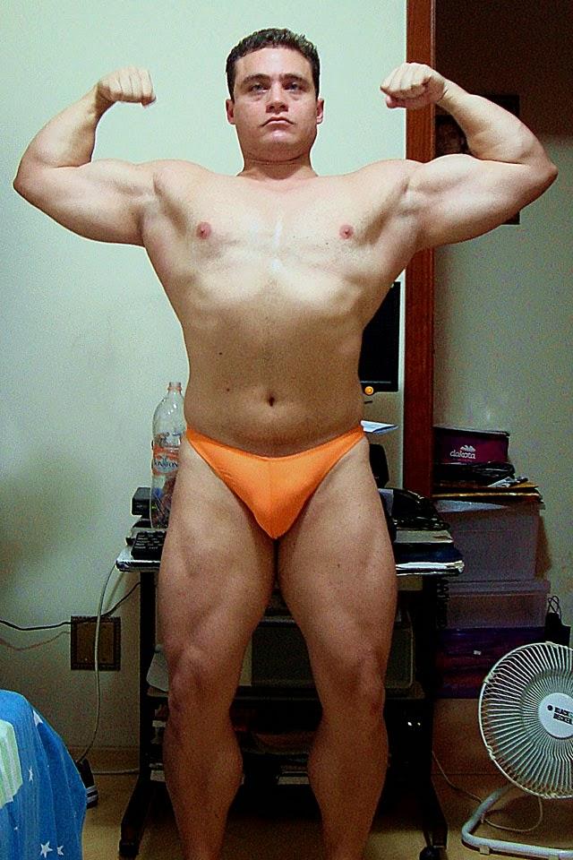 O fisiculturista Rodrigo Peixoto mostra o físico musculoso no final de seu off-season. Foto: Arquivo pessoal
