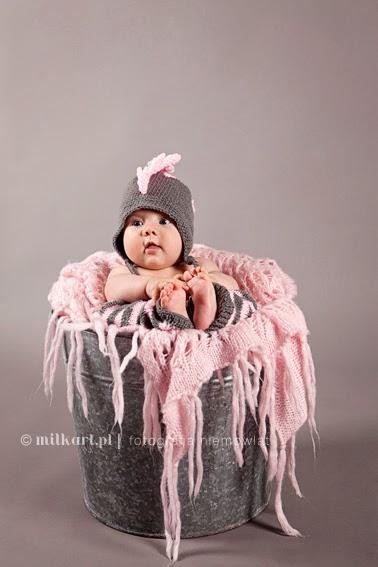 sesja zdjęciowa niemowląt, fotografia niemowlęca, sesje fotograficzne dziecka w poznaniu, studio milkart