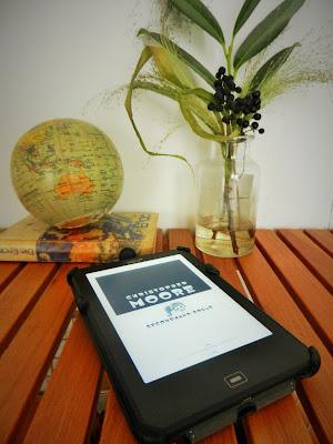 E-Reader Moore