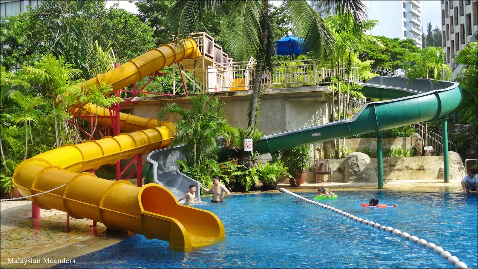 Malaysian Meanders Swim Parties At The Parkroyal Resort