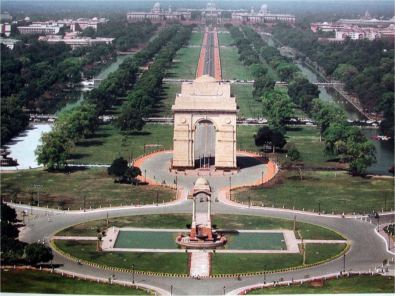 INDIA GATE COMPLEX Places to hang out with your partner in Delhi