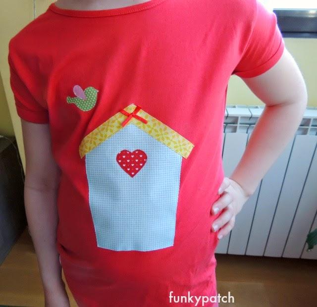 camisetas con aplicaciones de casita de pajaro y su pajarito funkypatch