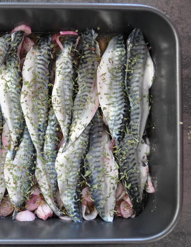Une table pour cinq maquereau au four marin aux chalotes - Maquereau grille au four ...