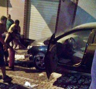 Carro do ex-prefeito de Soledade é incendiado no centro da cidade