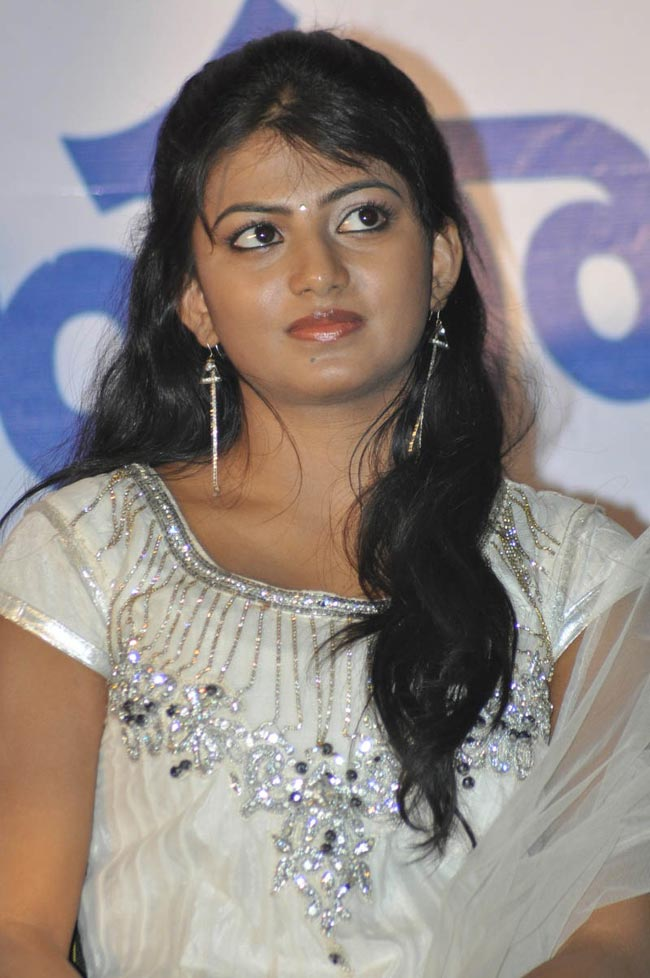 Hasikaat priyathama neevachata kusalama movie platinum disc function