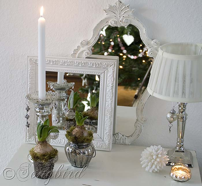 12 Days Of Instagram Christmas Decors: Silver And Mirrors Christmas Vignette