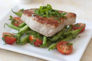 На обед - белок и свежие овощи
