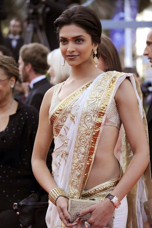Deepika Padukone's Hourglass Figure in Saree