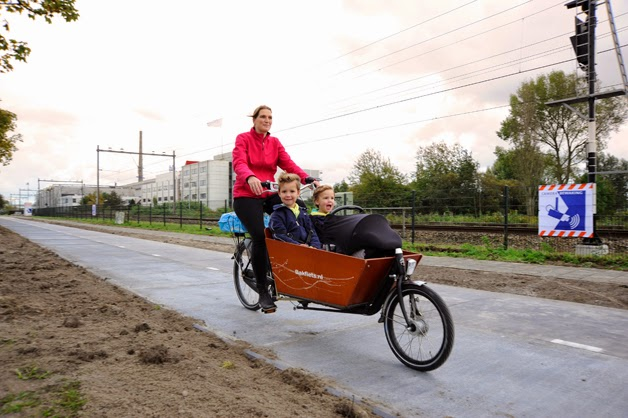 sola road holanda ciclovia energia solar